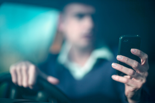 499134489-distracted-driving